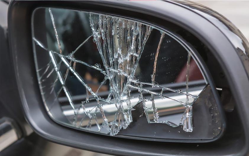 تعویض شیشه شکسته آینه بغل